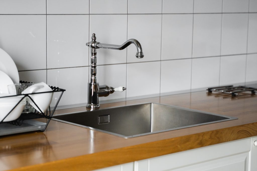 4 Varieties of Sink Faucets Commonly Found Within Homes