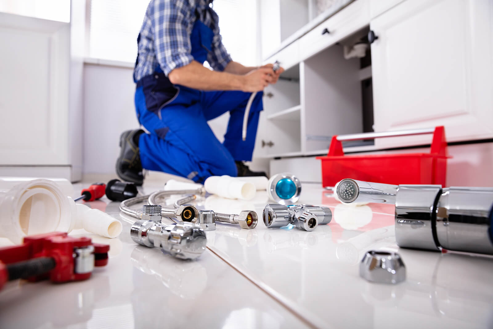 hire licensed plumber to do the job